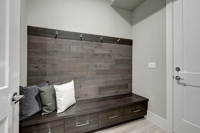 Space saving furniture 10 of the best for Cost to build a mudroom
