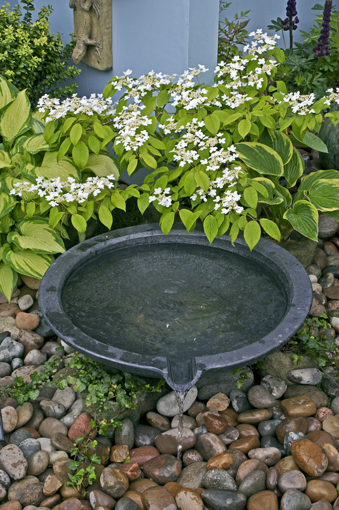 Choosing a Water Feature For Your Garden
